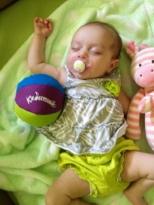 Photo-Kindermusik-Baby-Sleeping-Chimeball
